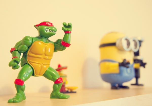 teenage mutant ninja turtle figurine